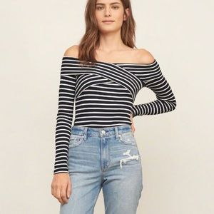 Abercrombie & Fitch off the Shoulder Slim Tee XS